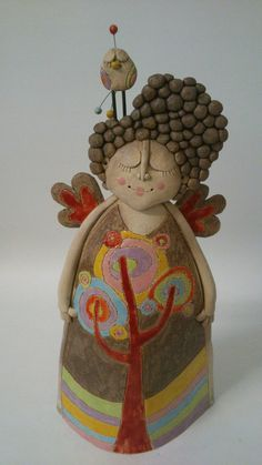 Andelka más corpulenta Pottery Sculpture, Sculpture Clay, Ceramics Projects, Clay Projects, Doll Crafts, Cute Crafts, Paper Clay, Clay Art, Ceramic Clay