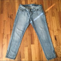 Express jeans Ladies express skinny jeans. Decent condition Express Jeans Skinny