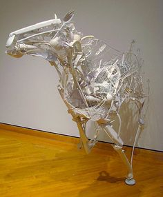 Japanese artist Sayaka Ganz uses discarded plastic utensils, toys and tidbits to create beautiful animal sculptures. Her plastic sculptures. Horse Sculpture, Animal Sculptures, Resin Sculpture, Van Gogh Paintings, Plastic Art, Recycled Art, Recycled Materials, Horse Art, Oeuvre D'art