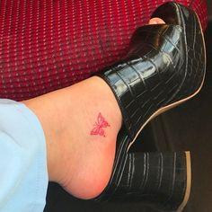 Rebellen Tattoo, Smal Tattoo, Piercing Tattoo, Get A Tattoo, Tattoo Shop, Piercings, Cute Tiny Tattoos, Dainty Tattoos, Little Tattoos