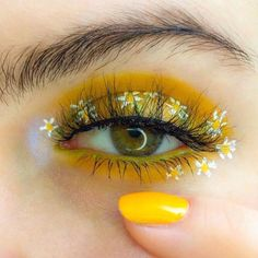 makeup yellow & makeup yellow ` makeup yellow dress ` makeup yellow eyeshadow ` makeup yellow outfit ` makeup yellow morenas ` makeup yellow aesthetic ` makeup yellow and orange ` makeup yellow and pink Makeup Eye Looks, Eye Makeup Art, Eye Makeup Remover, Cute Makeup, Pretty Makeup, Makeup Inspo, Eyeshadow Makeup, Makeup Kit, Glitter Eyeshadow