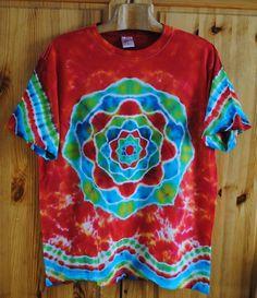 Tričko+L+-+Jsem+energie+Originální,+pánské,+batikované+tričko+velikost+L,+110cm+přes+prsa,71cm+délka.+100%+bavlna.+Barveno+kvalitními+reaktivními+barvami,+praní+doporučuji+v+ruce+kvůli+zaprání+bílé+či+světlých+barev.+100%+bavlna180+g/m2+Možno+vyzkoušet+a+vyzvednout+v+Brně.