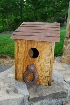 Birdhouses from old pallets and found objects... I am soooo doing this!!