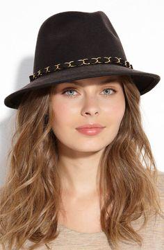 Sombrero perfecto para este otoño. ¿Qué te parece?  #sombrero #estilo #moda #mujer