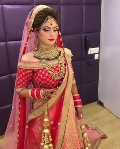 Pinterest • @bhavi91 Indian Bridal Hairstyles, Indian Bridal Outfits, Indian Bridal Makeup, Indian Bridal Fashion, Indian Bridal Wear, Bridal Dresses, Prom Dresses, Bridal Lehngas, Bridal Lehenga Collection