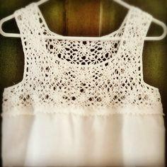#crochet#yoke#top#linen#ganchillo #blusa#pechera#crochetaddict | por María Tenorio