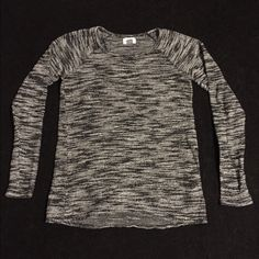 Old Navy Sweater White and black. No stains. Excellent condition. Smoke free home. No trades. Feel free to make me a fair offer, and don't forget to bundle!  :) Old Navy Sweaters Crew & Scoop Necks