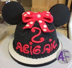 Mouse smash cake black and pink