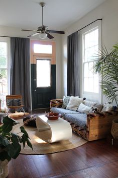 Our Dark Grey Laundered Belgian Linen Drapes in the home of Liz Kamarul. Liz chose Laundered Linen for a lived-in look that fit her eclectic decor. Eclectic Windows, Eclectic Decor, Interior And Exterior, Interior Design, Bright Decor, Custom Drapes, Shades Blinds, Cozy Nook, Home Reno
