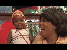 In Oprah generously surprised children in South Africa with toys, sports equipment, dolls and clothing. Oprah explains why receiving clothes was so important for the little ones. Very Merry Christmas, Christmas Time, Christmas In South Africa, Milwaukee City, Visit South Africa, Oprah Winfrey Network, Social Media Pages, Social Studies, Famous Faces