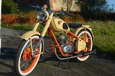 Csepel 125 D from 1957 Harley Davidson, Motorcycle, Bike, Cars, Vehicles, Awesome, Motorbikes, Bicycle, Rolling Stock