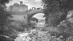The old bridge was replaced by a new one in Triq l-Isperanza, Mosta, Malta. The chapel which still exists is Tal-Madonna ta' l-Isperanza, in Mosta, Malta. The valley beneath the bridge leads to Wied-il-Ghasel. Old Pictures, Old Photos, Vintage Photos, Malta Bus, Malta Italy, Malta History, Malta Gozo, Malta Island, Little Island