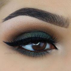 41 Perfect Green Eye Makeup Ideas Fantastic 41 perfect green eyes make-up ideas. Gorgeous Makeup, Love Makeup, Makeup Inspo, Makeup Inspiration, Makeup Ideas, Awesome Makeup, Perfect Makeup, Makeup Tutorials, Fall Makeup Tutorial