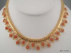 Necklaces Simple Simple Light Weight Coral sets - Latest Collection of Indian Gold and Diamond Jewellery from Traditional to Contemporary Designs. Beaded Jewelry Designs, Gold Earrings Designs, Gold Jewellery Design, Jewelry Patterns, Necklace Designs, Diamond Jewellery, Gold Designs, Antique Jewellery, Jewellery Box