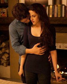 """cullencircus: """" New/Old Edward and Bella Still from Breaking Dawn part 2 """" Twilight Scenes, Twilight Saga Books, Twilight Saga Series, Twilight Pictures, Twilight Movie, Edward E Bella, Twilight Bella And Edward, Bella Cullen, Rosalie Twilight"""