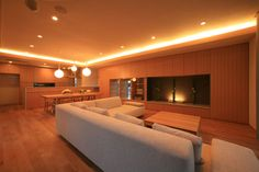 やすらぐ和モダンのリビング モダンリビング:181号掲載 Japanese Home Decor, Japanese House, Indirect Lighting, Living Room Modern, Interior Design Living Room, Future House, New Homes, Sweet Home, House Design