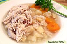 la Minestra pollo e riso è nutriente e molto leggera. Perfetta per depurarsi e per sgonfiarsi con gusto!