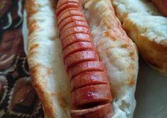 Virslis papucs | liliom1229 receptje - Cookpad receptek Hot Dog Buns, Hot Dogs, Bread, Food, Brot, Essen, Baking, Meals, Breads