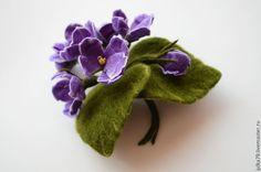 Купить Фиалки - брошь, брошь цветок, фиалки, фиалка, войлочная брошь, фиолетовый, felting