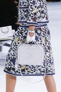 Chanel - Spring 2016 Ready-to-Wear