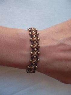 Macrame bracelet made with resistant waxed thread by LunaticHands