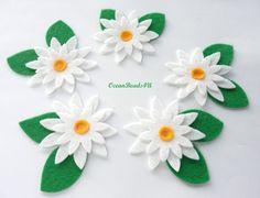 5 Felt White Flower applique, felt flower shape, Die Cut Craft Embellishments, filz blumen by OceanBeads4U on Etsy