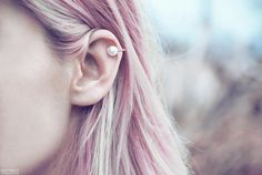 lovely pearl ear cuff.