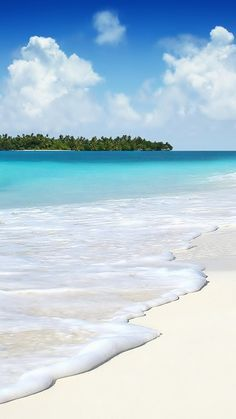 Listening to the serene sounds of ocean waves. Beach Wallpaper, Summer Wallpaper, Iphone Wallpaper, Computer Wallpaper, Places To Travel, Places To See, Paradis Tropical, Photos Voyages, Summer Photos
