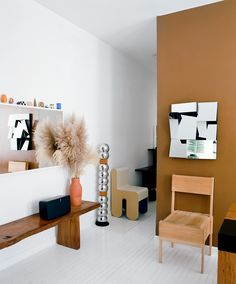 With the help of Sonos, we went inside Dimes co-founder Sabrina De Sousa's Chinatown apartment to find out how she lives, works, relaxes, and listens. Interior House Colors, Room Interior Design, Interior And Exterior, Furniture Design, Plywood Furniture, Minimalist Furniture, Minimalist Home, New York Homes, Interior Photography