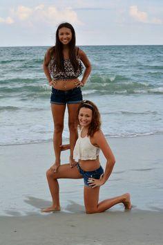 Best friends beach picture