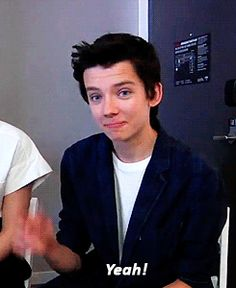 2014 Asa Butterfield | Asa Butterfield 2014 Photoshoot Asa butterfield, Interview at comic con.. That smile!