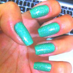Palmeira Tropical - Impala + Glitter prata - Risqué http://yingnailart.blogspot.com/ #nail #nailpolish #beauty #yingnailart