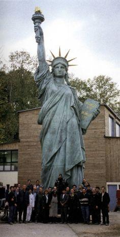 Ateliers Saint-Jacques - Statue de la Liberté (Bartholdi)  Baie de Tokyo, Japon  Fonte en bronze à l'identique de celle sur le pont de Grenelle à Paris