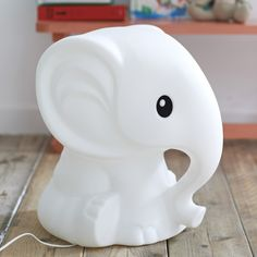 Add charm and warmth to the modern kids' room or nursery with the elephant-shaped Anana Lamp. Anana is the perfect lamp for creating ambiance in any room thanks to an energy efficient LED Lamp and dimmer switch.