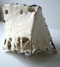 Atelier terre - porcelaine : Série: Les mues