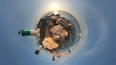 Moving image. Still (yet living) stereographic video.