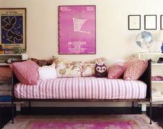 girl's bedroom #interior #design #bedroom #pink #poster #art #kids