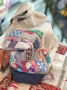 봄날 바느질 : 네이버 블로그 Patchwork Patterns, Patchwork Bags, Quilted Bag, My Bags, Purses And Bags, Japanese Bag, Shopping Totes, Sashiko Embroidery, Diy Tote Bag