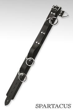 Collier en latex avec 3 anneaux en acier. Réglable par boucle. Un produit d'excellente qualité.