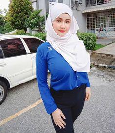 focus my goals 💪🌹 ( Beautiful Muslim Women, Beautiful Women Pictures, Beautiful Hijab, Beautiful Asian Girls, Amazing Women, Arab Girls Hijab, Girl Hijab, Muslim Girls, Hottest Pic