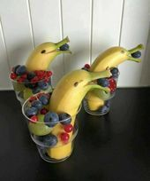 Banana Dolphins Snack for Kids - Crafty Morning Le Dauphin banane Appetizers For Kids, Healthy Appetizers, Fruit Cups, Fruit Snacks, Fruit Recipes, Bug Snacks, Fun Fruit, Banana Fruit, Food For A Crowd