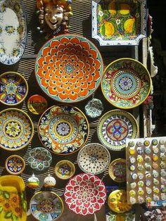 Souvenir ceramics of Orvieto, Umbria, Italy Home Decor Accessories, Decorative Accessories, Boho Home, Italian Pottery, We Are The World, Pottery Painting, Cheap Home Decor, Ceramic Pottery, Decoration