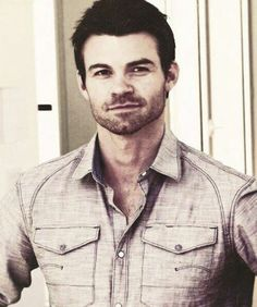 Daniel Gillies (Elijah Mikaelson), Clean shaved yes, but I LOVE this look on him!!