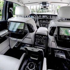 Best place to be: the backseat of the mighty Rolls-Royce Phantom. - - - #rollsroyce #rolls #rollsroy