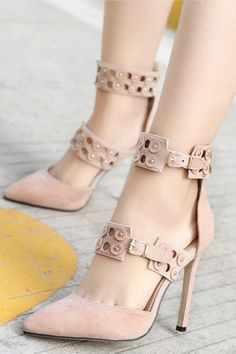 Belt Hollow Out Pointed Shoes