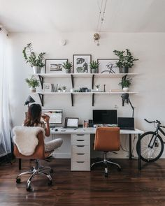 Double the organization. Home office decor perfection. Cozy Home Office, Guest Room Office, Home Office Space, Home Office Design, Home Office Decor, Office Shelving, Desk With Shelves, Office Shelf, Ikea Office