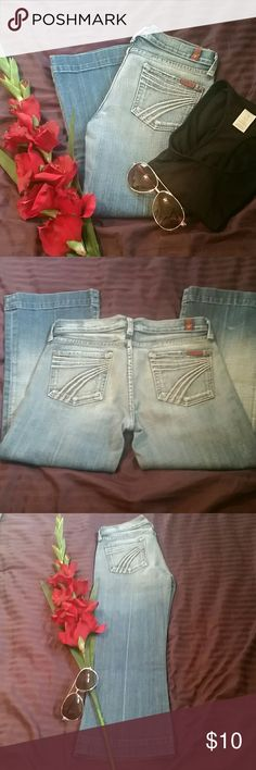 """7 For all mankind jeans ☆Reposhing! Dojo size 26 light denim Capri. In good condition. Never worn by me. Too tight in the hips/waist to keep.  Waist 14.5"""" 7 For All Mankind Jeans Ankle & Cropped"""
