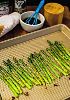 Perfectly roasted asparagus drizzled with a nutty browned butter sauce is an elegant side dish for steak or seafood and requires only 12 minutes baking time! Stuffed Pepper Soup, Stuffed Sweet Peppers, Esparagus Recipes, Steak Side Dishes, Asparagus Soup, Butter Sauce, Brown Butter, Basque