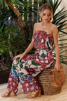 Perfect for a long hot summer, this sleeveless off shoulder floral print jumpsuit has a gorgeous boho floral print Backless Jumpsuit, Jumpsuit Outfit, Summer Jumpsuit, Floral Jumpsuit, Boho Romper, Long Jumpsuits, Evening Jumpsuits, Aliexpress, Look Fashion