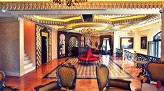 Hayattan aldığınız zevk ince detaylardadır. Yüzyıllardır biriken İstanbul'un kusursuz detayları #Darusultan'ın girişinde sizi karşılıyor. Rezervasyon için: (0212) 252 3232 www.darusultan.com  Details about Istanbul makes you wondered? Darusultan Hotel, welcomes you with a Ottoman figure at entrance.  For reservation: (0212) 252 3232